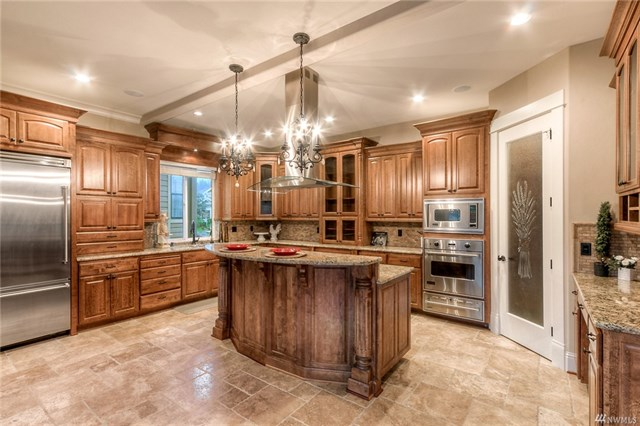 Gourmet kitchen at, 15138 SE 80th St, Newcastle, mls 1263213